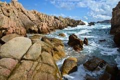 Costa costa rocosa en Cerdeña, Italia Fotos de archivo libres de regalías