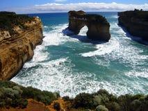 Costa costa rugosa, gran camino del océano Imagenes de archivo