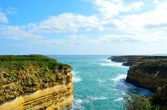 Costa costa victoriana a lo largo del gran camino del océano Foto de archivo