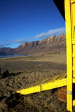 Costa costa y verano del cielo de Lanzarote de la cabina de la silla del salvavidas Fotografía de archivo libre de regalías