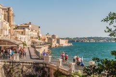 Costa da ilha de Ortigia na cidade de Siracusa, Sicília, Itália Foto de Stock Royalty Free