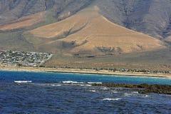 Praia de Famara, Lanzarote, Ilhas Canárias, Spain imagens de stock