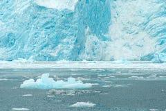 Costa de Alaska del Océano Pacífico del flujo del hielo del glaciar de Aialik Foto de archivo libre de regalías