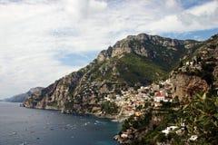 Costa de Amalfi con la ciudad Positano foto de archivo libre de regalías