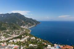 Costa de Amalfi en verano Imagenes de archivo