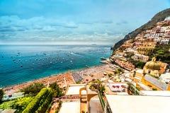 Costa de Amalfi que sorprende fotos de archivo libres de regalías