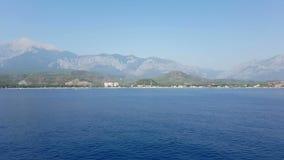 Costa de Antalya Visión desde el mar almacen de metraje de vídeo