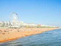 Costa costa de Brighton en primavera fotos de archivo
