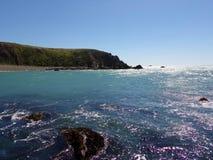 Costa costa de California con los acantilados y las playas imagen de archivo