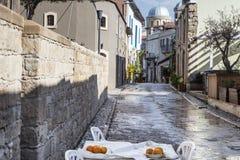 A costa de Chipre perto da cidade antiga do objeto antigo, Limassol foto de stock royalty free