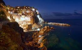 Costa de Cinque Terre en la noche Foto de archivo libre de regalías