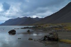 Costa de Islandia Foto de archivo libre de regalías