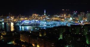 Costa de la noche de la ciudad italiana de Génova, faro, lapso de tiempo metrajes