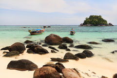 Costa de la playa de Tailandia de Andaman Fotos de archivo libres de regalías
