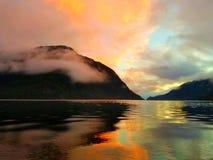 Costa de la puesta del sol fotografía de archivo libre de regalías