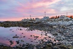 Costa de Maine no por do sol Fotos de Stock