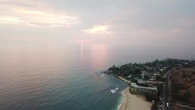 Costa de Makaha na ilha de Oahu no zangão de Havaí video estoque