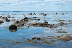 Costa de mar branco Fotos de Stock
