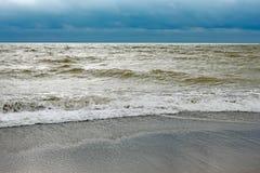 Costa de mar después de la tormenta Imágenes de archivo libres de regalías