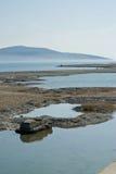 Costa de mar en el invierno. Fotos de archivo libres de regalías