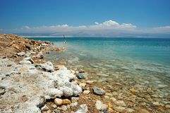 Costa de mar inoperante - mar famoso de sal, Israel fotos de stock