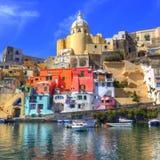 Costa de mar italiana, procida, Nápoles fotografia de stock