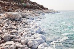Costa de Mar Morto em Jordão fotos de stock