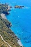 Costa de mar Tyrrhenian perto de Maratea, Itália Foto de Stock