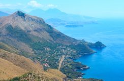 Costa de mar Tyrrhenian perto de Maratea, Itália Foto de Stock Royalty Free