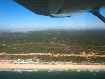 Costa de Portugal de la visión aérea fotos de archivo