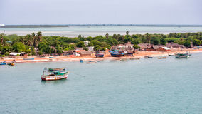 Costa de Rameswaram con los barcos Tamil Nadu, la India Imagen de archivo