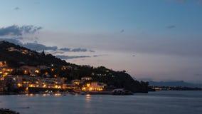 A costa de Sicília na noite Imagem de Stock Royalty Free