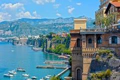 Costa de Sorrento, al sur de Italia Imágenes de archivo libres de regalías