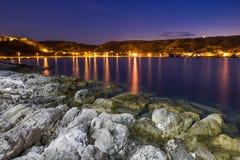A costa de Susak na noite Imagens de Stock Royalty Free