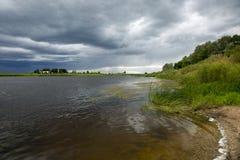 Costa del fiume Fotografia Stock Libera da Diritti