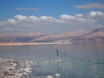 Costa del mar Morto Israele e la costa della Giordania Immagine Stock