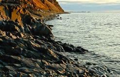 Costa del mare Glaciale Artico di estate. Immagini Stock