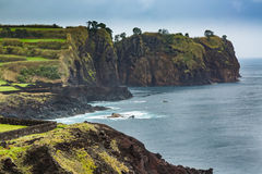 Costa del nord di sao Miguel Island, l'Oceano Atlantico Immagini Stock Libere da Diritti