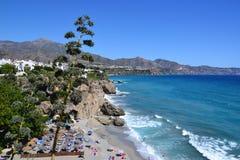 Costa del Solenoid, strand i Nerja - Spanien Arkivfoton