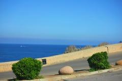 Costa dell'isola di corisca con un bello mare blu fotografia stock libera da diritti