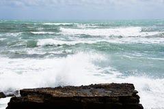 Costa della tempesta del mar Mediterraneo della Spagna Fotografia Stock