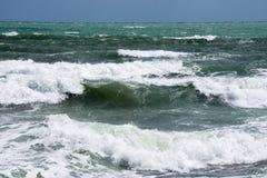Costa della tempesta del mar Mediterraneo della Spagna Immagine Stock