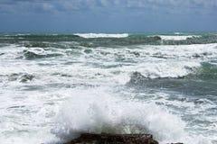 Costa della tempesta del mar Mediterraneo della Spagna Fotografie Stock