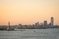 Costa di Jersey City al tramonto Fotografie Stock Libere da Diritti