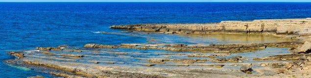 Costa di mare di estate della Sicilia, Italia Immagini Stock