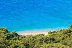 Costa di mare ionico di estate, Albania fotografia stock libera da diritti