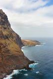 Costa di Tenerife vicino al faro di Punto Teno fotografie stock libere da diritti