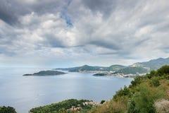 Costa do mar Mediterrâneo fotografia de stock royalty free