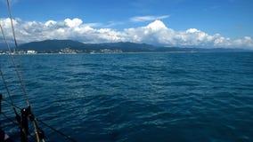 Costa do Mar Negro - vista da placa do navio vídeos de arquivo