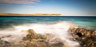 Costa e scogliere di Malta Fotografie Stock